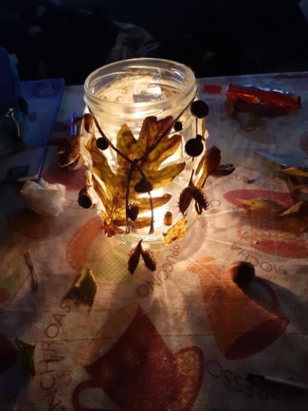 Jesienne lampiony w wykonaniu uczniów klasy III